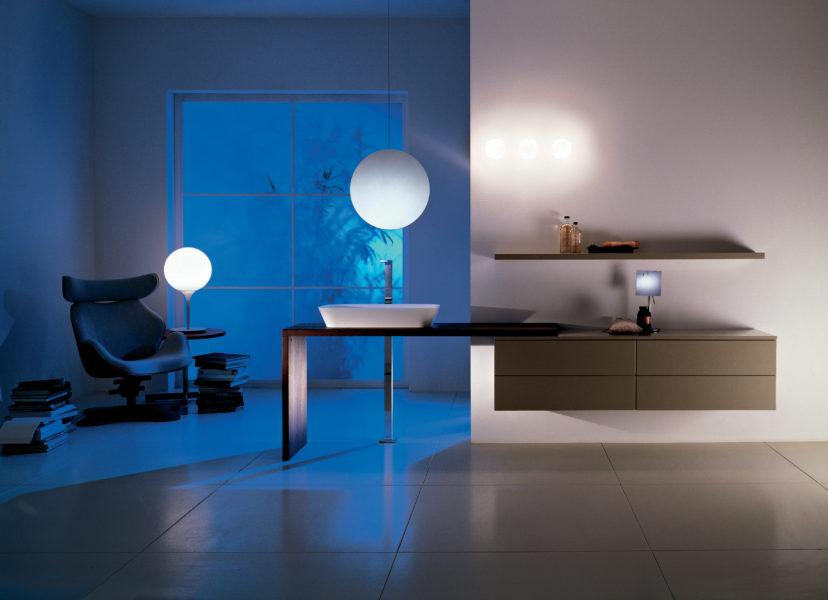 Bagno moderno con top in legno listellare 160 cm e lavabo da appoggio | Progetto Bagno