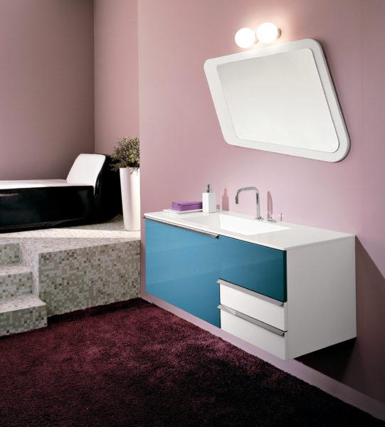 Mobile sospeso per bagno 120 cm laccato bianco con frontale azzurro | Progetto Bagno