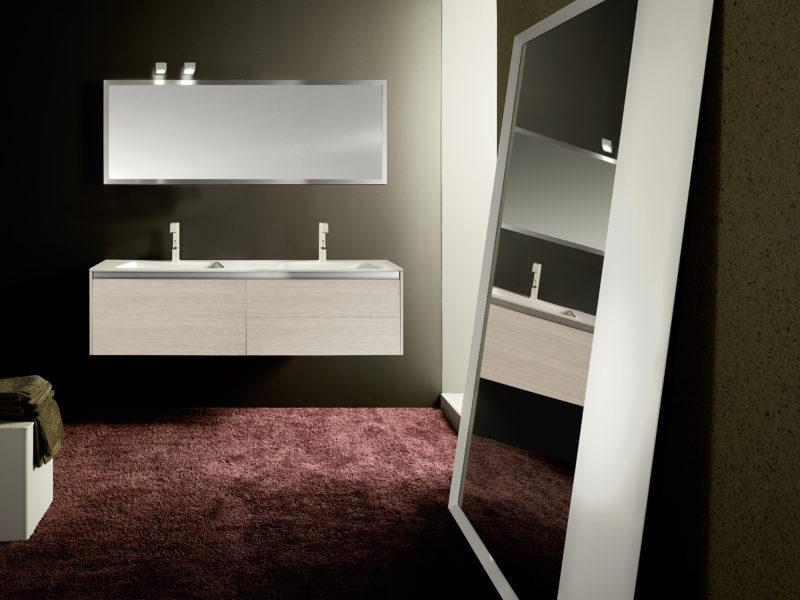 Arredo bagno moderno in essenza rovere con cestone da 80 cm | Progetto Bagno