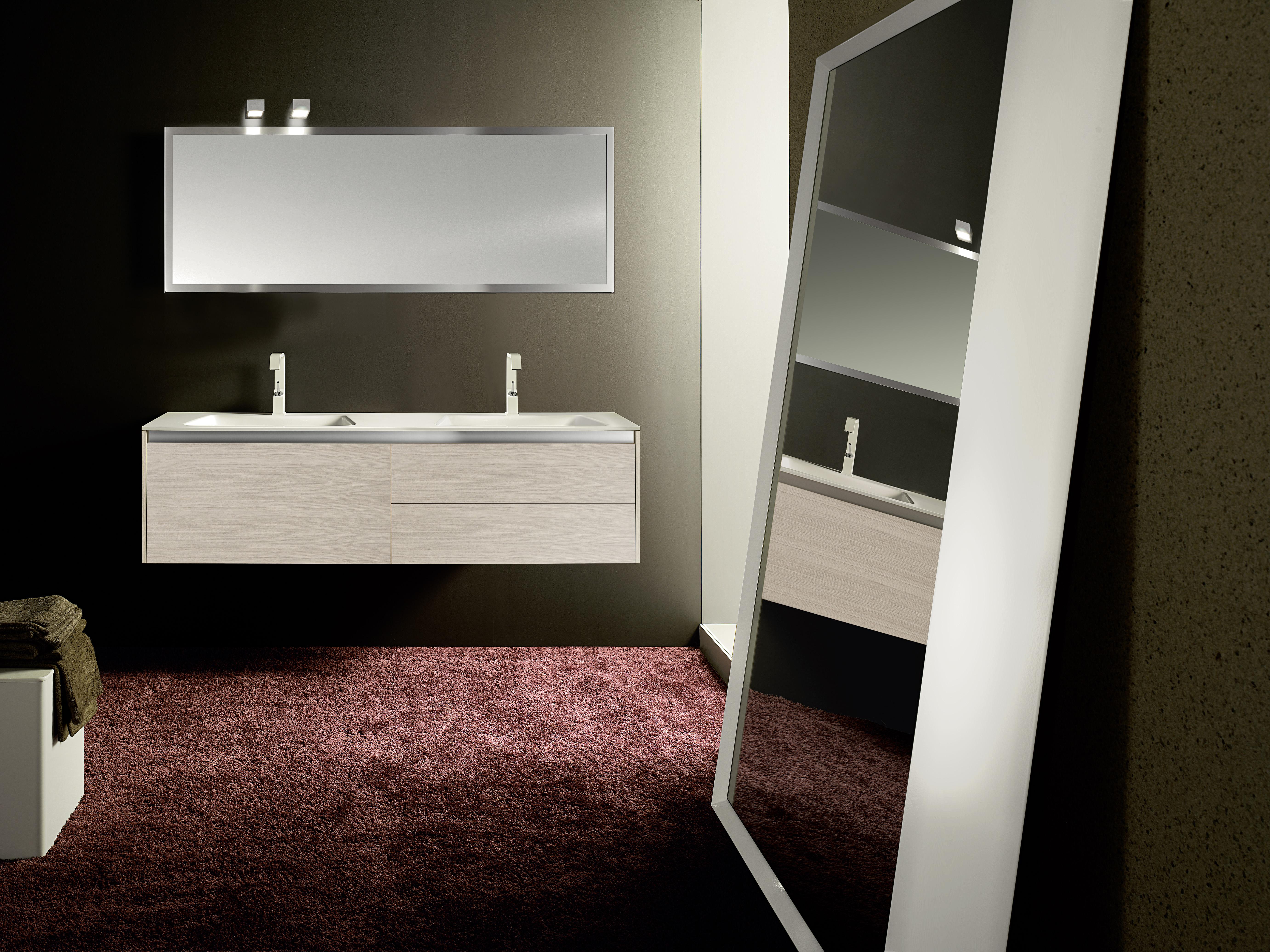 658f5e2e3a6a Composizione arredamento bagno in essenza Rovere sbiancato composta da base  lavabo con cestone L 80 cm e base lavabo con due cassetti L 80 cm.