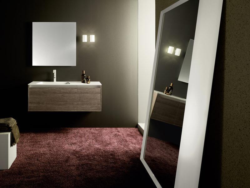 Soluzione per bagno di design con mobile sospeso da 122 cm, h 44 cm in noce americano | Progetto Bagno