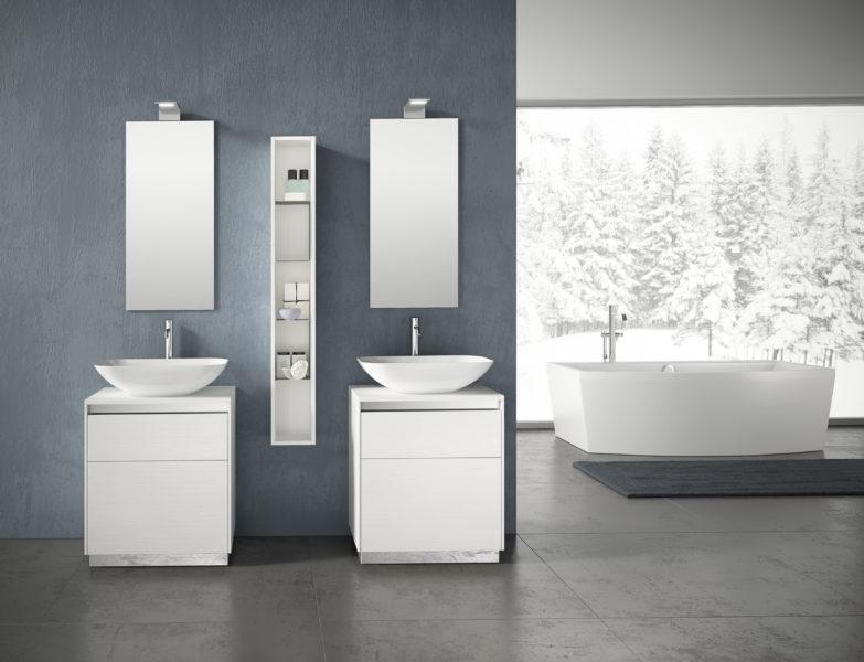 Soluzione per bagno design moderno con doppia base portalavabo. Lavabi in ALCOA e pensile h 140cm | Progetto Bagno