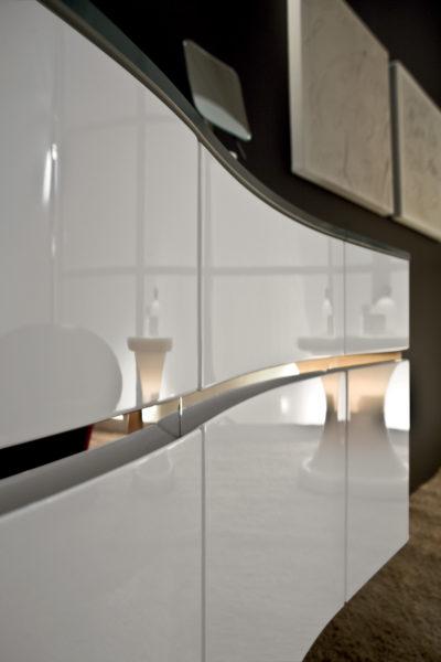 Mobile sospeso per bagno di design 140 cm con gola in acciaio inox lucido | Progetto Bagno
